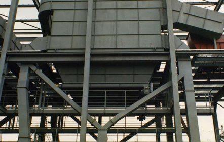 Entstaubungsfilter für eine Kohleverladeanlage auf dem Kraftwerksgelände Walsum.