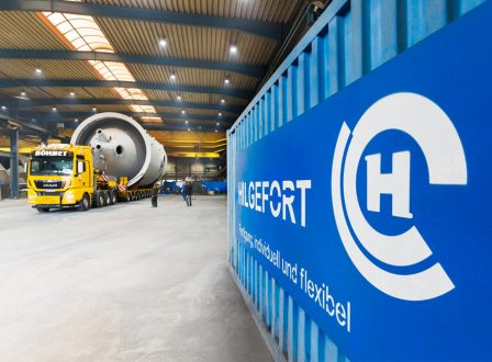 Blick in die Fertigung bei der Hilgefort GmbH, ein Anlagenbauteil ist fertig und verladen