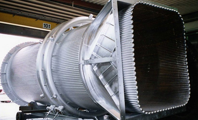 fertiggestellte-Abgasleitung-in-der-Montagehalle